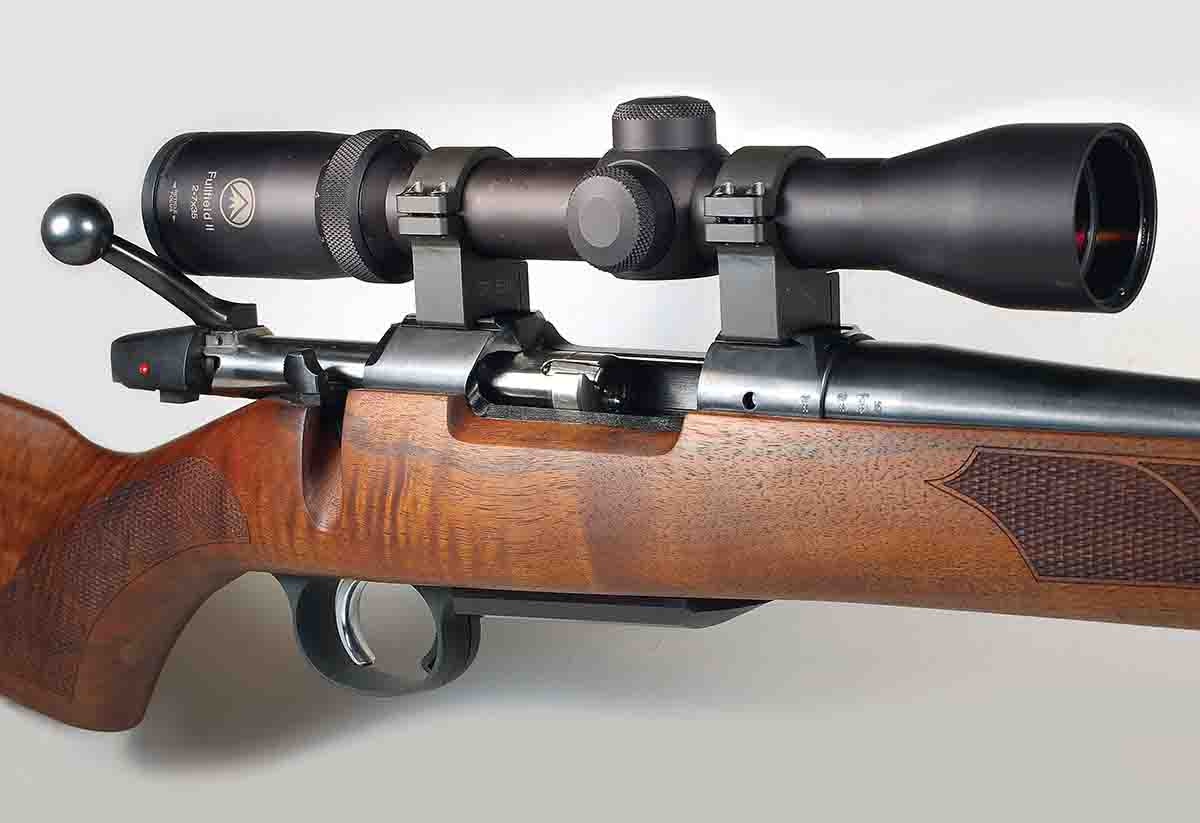 The CZ 557 Sporter Short Action comes with a Turkish walnut stock. With a Burris Fullfield 2-7x scope in CZ rings, the rifle weighs slightly over 8.5 pounds.
