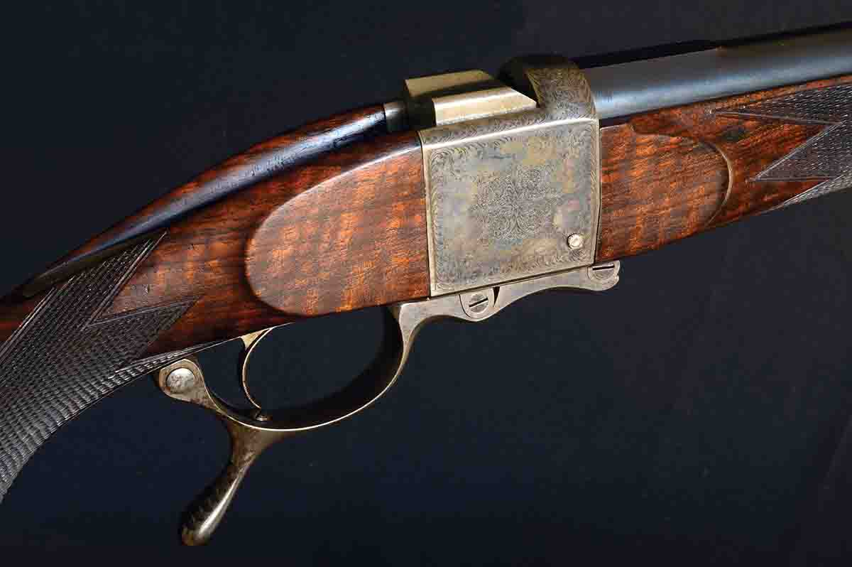 This Alexander Henry hammerless .450 single shot is a rare masterpiece. Henry built only 90 hammerless single-shot  rifles, compared to more than 2,500 hammer rifles.