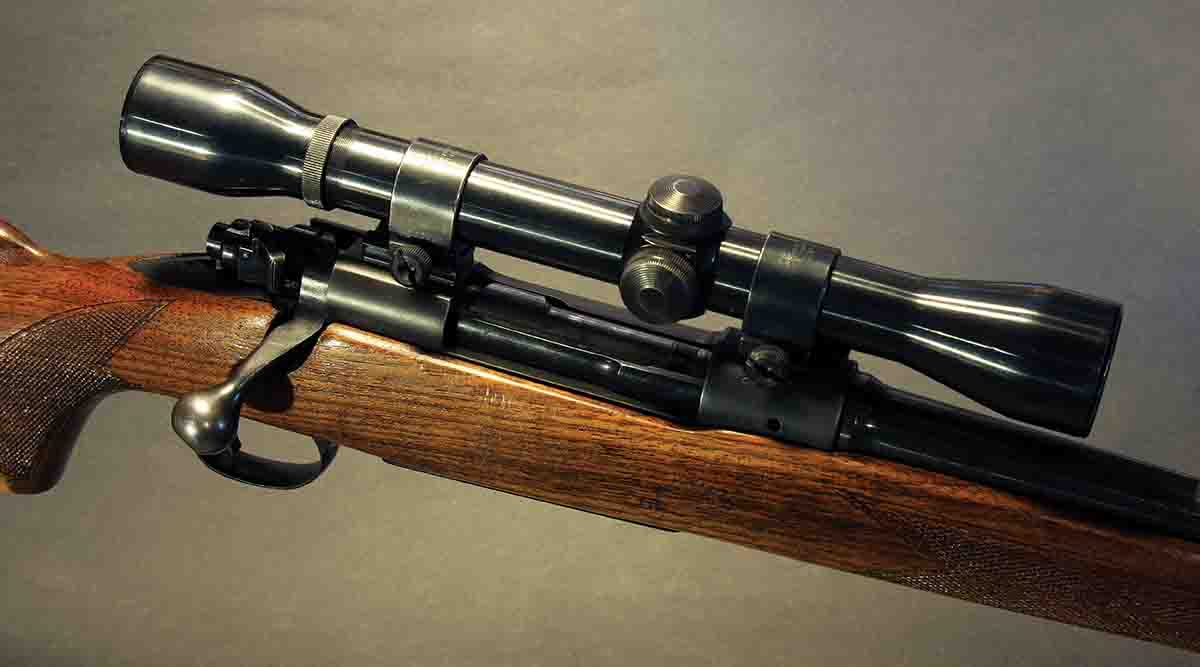 The steel-tube El Paso K4 scope in old Weaver rings looks just right on the Winchester Model 70 Featherweight.